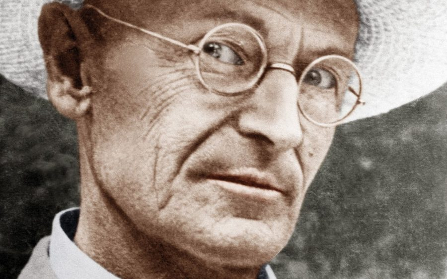 Photo of Herman Hesse with spectacles and straw hat